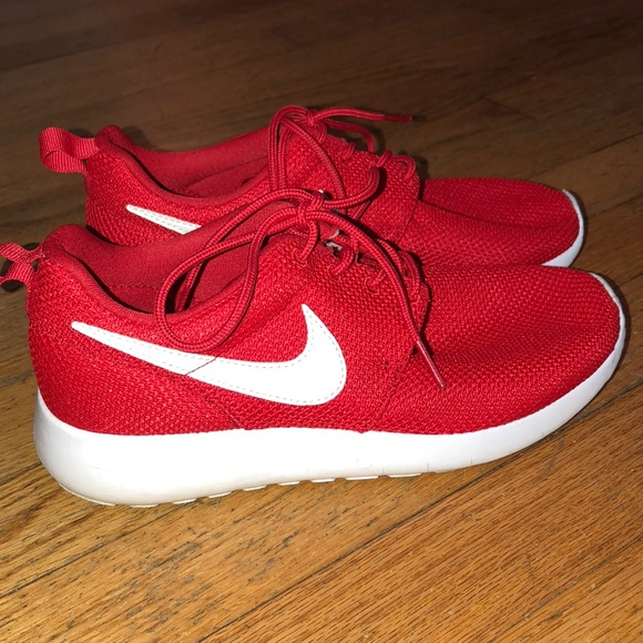 Red Red Red Nike Women Roshe Winter zapatos Sz 8 Christmas